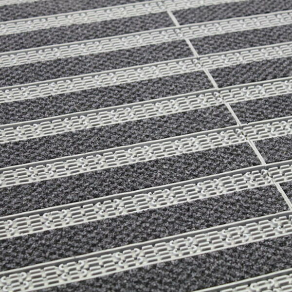 Cleartex Integra 16 moduláris, műanyag szennyfogó textil felülettel installáció