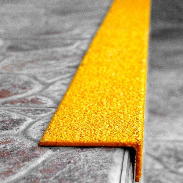 ClearSafe GRP-GRIT csúszásmentes lépcső élvédő lap