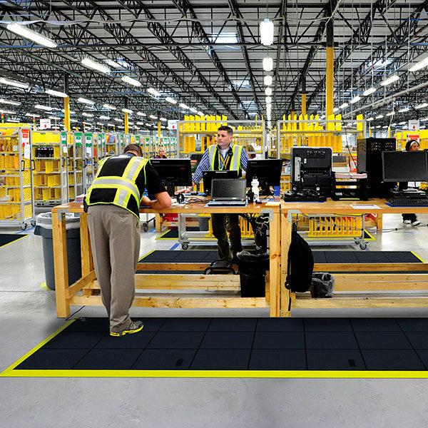 Cushion Ease Solid ESD elleni, moduláris munkaszőnyeg elektronikai környezetben